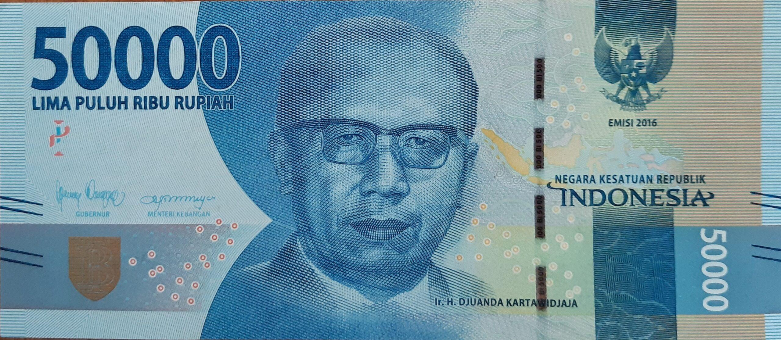 Tiền giấy 50,000 IDR thường được sử dụng