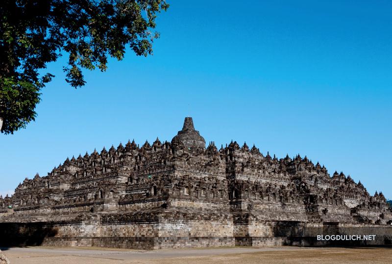 Borobudur thu hút rất nhiều du khách