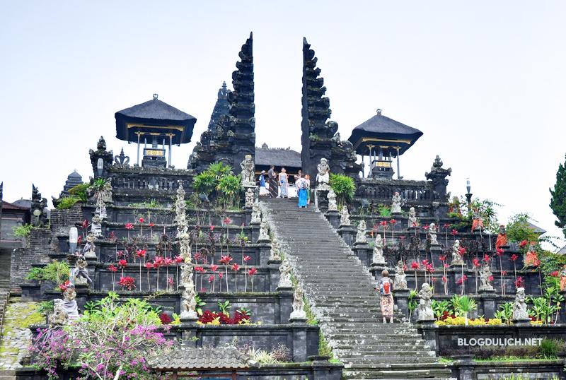 Đền Mẹ Pura Besakih- ngôi đền linh thiêng ở Bali