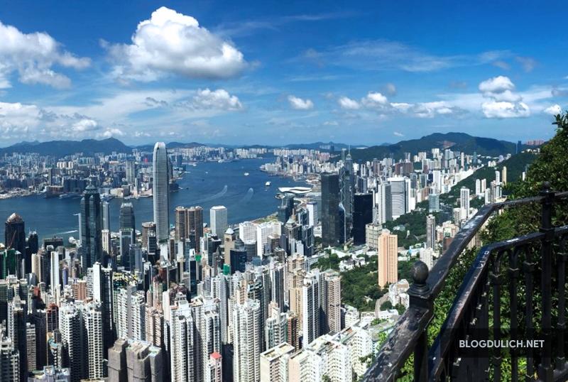 Trên đỉnh The Peak có thể nhìn toàn cảnh Hong Kong