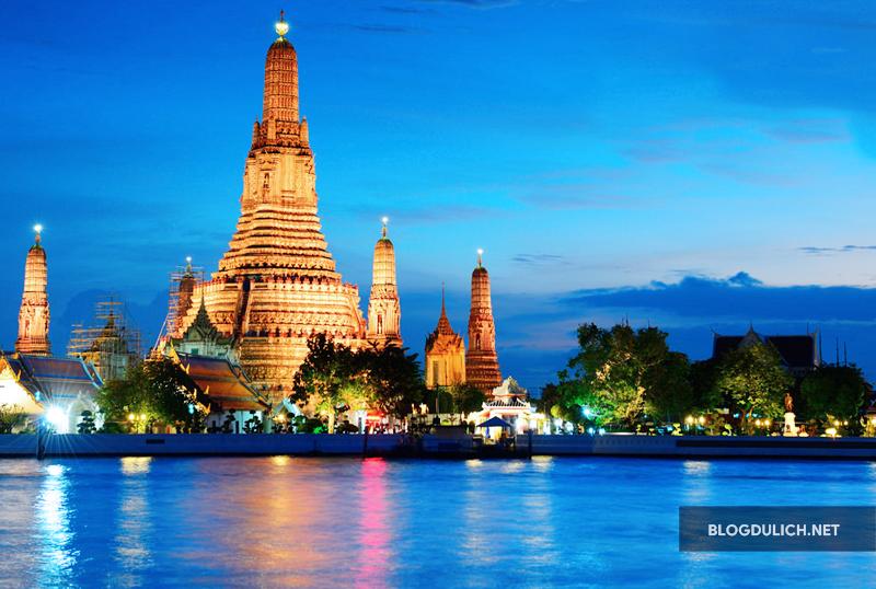 Bangkok bên dòng sông Chao Phraya hiền hòa
