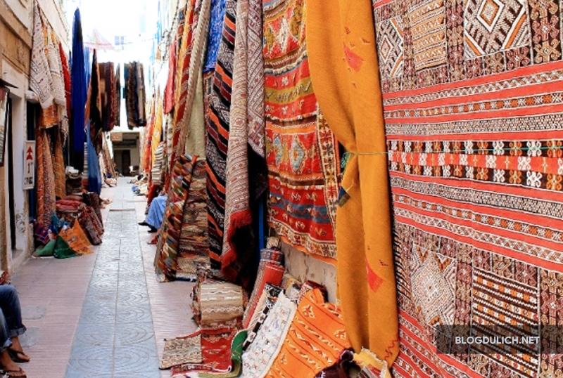 Tham quan các khu chợ Hồi Giáo cũng là 1 trải nghiệm thú vị