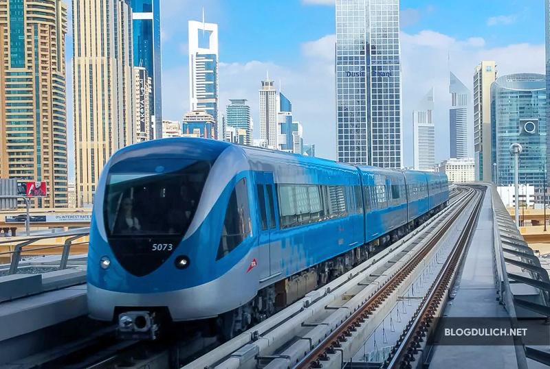 Hệ thống tàu điện tại Dubai rất tân tiến
