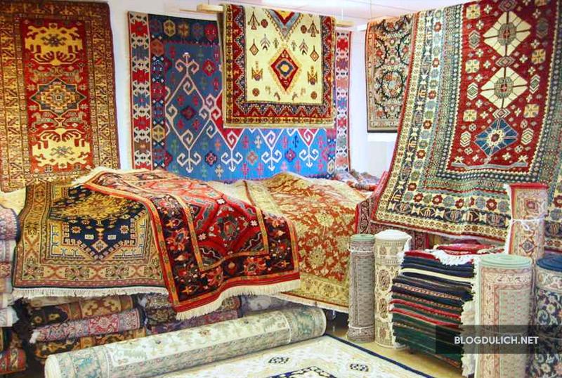 Đặt 1 tấm thảm Ba tư về làm quà rất ý nghĩa