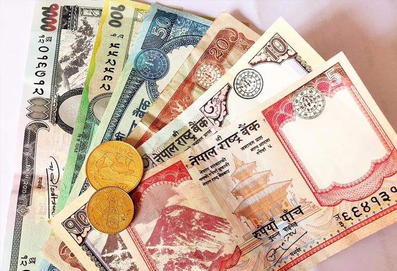 Tiền Nepal
